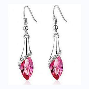🎀 Lovely Dangle Earings